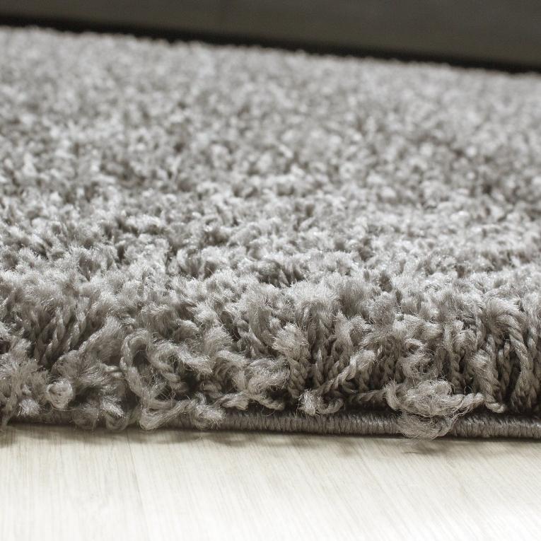 hoogpolig shaggy tapijt taupe hoogpolige shaggy tapijten rond alles voor uw huis inrichting. Black Bedroom Furniture Sets. Home Design Ideas